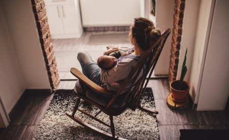 Mom seeking online therapy via videoconferencing for postpartum depression in Omaha, Nebraska